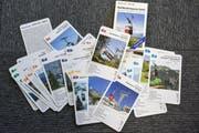 Das Seilbahnquartett besteht aus 32 Spielkarten und einer Anleitung mit mehreren Varianten. (Bild: Anina Rütsche)