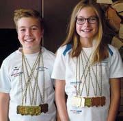 Joel und Janine Schelling gewannen am internationalen Schülertag der Bodenseemeisterschaften zahlreiche Medaillen und setzten sich dabei gegen Schwimmer aus zehn Vereinen durch. (Bild: pd)