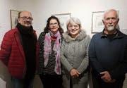 Die drei Künstler mit Marianne Oehler (Zweite von links) von der Galerie zur Alten Post. (Bild: pd)