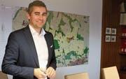 Oberbürens Gemeindepräsident Alexander Bommeli präsentierte gestern die Rechnung 2017, das Budget 2018 sowie die Gutachten und Anträge, die der Gemeinderat zuhanden der Bürgerversammlung verabschiedet hat. (Bild: Andrea Häusler)