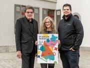 In den Startlöchern: Bruno Bischof, Barbara Holenstein und Andreas Jakob (von links) organisieren die St. Galler Fasnacht. (Bild: Hanspeter Schiess)