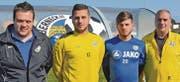 Neue Spieler, neue Trainer, neue Trainerbank (von links): Andreas Lüchinger, Okan Akyildiz, Selim Kum und Robert Thurnherr. (Bild: Yves Solenthaler)