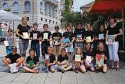 Die begeisterten BiblioFreaks nach der Bücherausleihe. (Bild: pd)