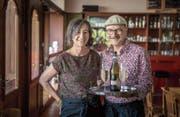 Zwei B-Pöstler der ersten Stunde: Christine Meyer und Peter Knill im Quartiertreff an der Demutstrasse. (Bild: Michel Canonica)