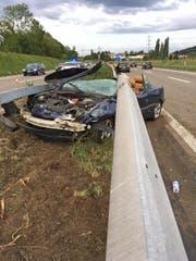 Der 28-jährige Fahrer verlor die Kontrolle über sein Auto und erlitt beim Unfall mittelschwere Kopfverletzung. (Bild: Kapo TG)