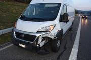 Der beschädigte Lieferwagen. (Bild: Kapo SG)