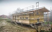 Neues Gebäude, gleicher Standort: Das Pfadiheim in Wittenbach soll am 2. Juni eröffnet werden. (Bild: Ralph Ribi)