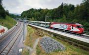 Verzweigung Galgentobel: Der Voralpen-Express fährt ab Dezember über die neue Brücke Richtung Wittenbach, links die SBB-Doppelspur. (Bilder: Urs Bucher)