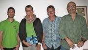 VVME-Präsident Martin Sutter (ganz links) bedankte sich bei Ehrenmitglied Edith Loher. Jürg Saxer (3. von links) ist neu im Vorstand, Stefan Loher (ganz rechts) trat nach mehr als 20 Jahren im Verein zurück. (Bild: Rösli Zeller)