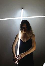 Tänzerin Jasmin Hauck befasst sich mit düsteren Aspekten. (Bild: pd)