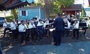 Die beiden Vereine präsentieren ihre Stücke dem Publikum bei einem Frühschoppenkonzert (Bild: . Bild: PD)