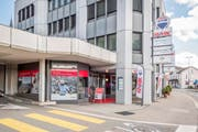 An den 90 Standorten der Remax in der Schweiz arbeiten 300 selbstständige Immobilienmaklerinnen und -makler. Im Bild ist das Büro der Remax-Filiale in Wil zu sehen. (Bild: PD)