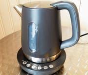 Wasserkocher benötigen bedeutend weniger Energie zur Erhitzung von Wasser als eine Pfanne. (Bild: PD)