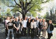 Absolventen des Diplom-Lehrgangs «Systemischer Coach und Berater». (Bild: pd)