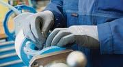 Auch die Zahl der Betriebe mit Kurzarbeit ist zurückgegangen. (Bild: Jakob Ineichen)