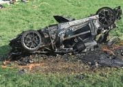 Der Sportwagen brannte nach Richard Hammonds Unfall komplett aus. (Bild: AP)