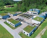 Die Abwasserreinigungsanlage Oberglatt muss dringend auf den neuesten Stand gebracht werden. (Bild: Beat Schiltknecht)