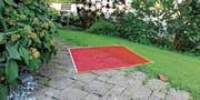 Angesichts der aktuellen Preise für einen Quadratmeter Boden hat eine junge Familie, die gern ein Haus hätte, allen Grund, rot zu sehen. (Bild: Gert Bruderer/Bruno Spiess)