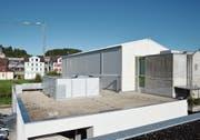 Die Nolato Treff AG in Degersheim erweitert mit der Aufstockung die Produktionsfläche um 1500 Quadratmeter. (Bild: Zita Meienhofer)