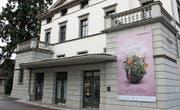 Die Plakate an der Tonhalle kündigen die komische Oper «Die Regimentstochter» bereits an. (Bilder: Jonas Manser)