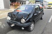 Der beschädigte Unfallwagen. (Bild: Kapo SG)
