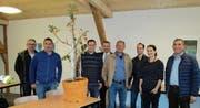 Zu Besuch bei der Firma Grob Kies AG: Der Gemeinderat von Wattwil gemeinsam mit Franziska Sabljo-Grob. (Bild: PD)