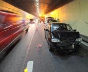 Durch den Auffahrunfall entstand Sachschaden von mehreren tausend Franken. (Bild: Kapo SG)