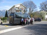Besonderer Service: Ein moderner Shuttlebus transportiert die Schülerinnen und Schüler aus dem Raum St. Gallen zur ISR in Buchs und wieder zurück. (Bild: PD)