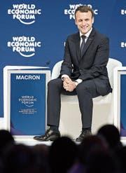 Der französische Präsident Emmanuel Macron (links), die deutsche Kanzlerin Angela Merkel (oben rechts) und der italienische Ministerpräsident Paolo Gentiloni (unten rechts). (Bilder: Laurent Gilliéron/Keystone)