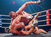 Mehr als eine Prügelei: «Im Mixed Martial Arts ist es entscheidend, im passenden Moment die richtige Technik anzuwenden», sagt der Altstätter Valdrin Istrefi (oben). (Bild: pd)