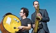 Enrico und Peter Lenzin (von links) spielen mit dem aktuellen Love-&- Life-Programm Jazz in verschiedensten Facetten. (Bild: pd)