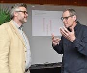 Präsident Stefan Diener (links) im Gespräch mit Referent Felix Baumgartner. (Bild: Peter Jenni)