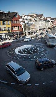 Das Zentrum soll entlastet werden. Am Stadtapéro werden Ideen vorgestellt. (Bild: Benjamin Manser)