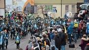 Die Bazenheider «Guugewörger» führten den Gähwiler Fasnachtsumzug an, dem erfreulich viele Besucherinnen und Besucher an der Strasse beiwohnten.