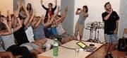 Am Oberstufenzentrum Neckertal kamen die Lernenden in den Genuss von spannend verpackten Informationen. Thema war das Urheberrecht – Gast der Rapper Greis. (Bild: Cécilia Hess-Lombriser)