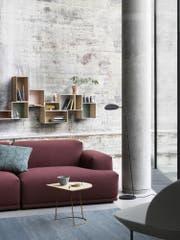 Die Auswahl Sofas in jeder Ausführung sind gross. (Bild: muuto.com)