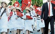 Am Kinderfest 2015 war nach einer längeren Pause die St. Galler Textiltradition wieder allgegenwärtig. (Bild: Donato Caspari (12. Juni 2015))