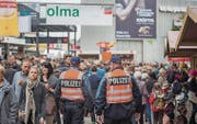 An der diesjährigen Olma und am Jahrmarkt werden mehr Polizisten als sonst unterwegs sein. (Bild: Urs Bucher (St. Gallen, 9. Oktober 2015))