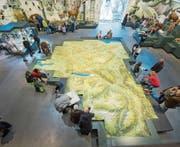 Das Relief der Ostschweiz ist bei den Besuchern des neuen Naturmuseums besonders beliebt. (Bild: Urs Bucher (5. Januar 2017))