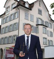 Daniel Kaiser vor dem Kreisgerichtsgebäude in Altstätten. (Bild: Anina Gächter)