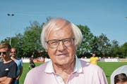 Gilbert Gress, Trainer-Legende und Coach der Suisse Legends. (Bild: Beat Lanzendorfer)