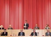 Das neu bestellte Präsidium in der oberen Reihe von links: Stimmenzähler Silvia Galli Aepli und Erwin Sutter, Präsident Markus Mauchle, Stadtschreiber Toni Inauen und Vizepräsident Gallus Hälg. (Bild: Sebastian Schneider)