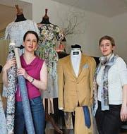 Karin Bischoff und Kathrin Baumberger in ihrem neuen Laden. (Bild: Christina Weder)