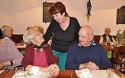 Mitorganisatorin Ruth Straub im Gespräch mit Rösli Wagner und Josef Rickenbacher. (Bild: Kathrin Meier-Gross)