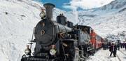 Der Männerchor Bazenheid unternahm eine Reise ins Wallis und reiste mit der Furka-Dampfbahn durch die verschneite Bergwelt. (Bild: PD)