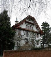 Seit zehn Jahren wartet das Pfarrhaus auf eine Renovation. (Bild: PD)