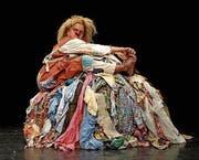 Die tapfere Hanna erklärt kurzerhand dem Haufen dreckiger Wäsche den Krieg. (Bild: pd)