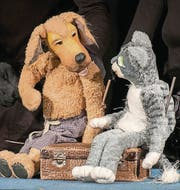Strassenkatze Tinka erzählt Edgar von einem Erfinder. (Bild: pd)