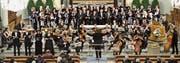Chor, Orchester und Gesangssolisten ernteten nach der Messe von Josef Gabriel Rheinberger tosenden Applaus. (Bild: Theodor Looser)