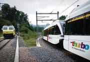 Links die alte SOB-Spur, rechts die neue, dazwischen die SBB-Gleise.